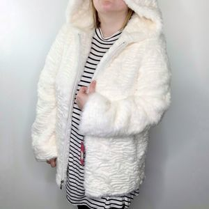 Vince Camuto NWT Hooded Zip Front Faux Fur Jacket